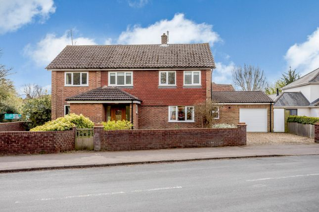 Thumbnail Detached house for sale in Bloomfield Road, Harpenden