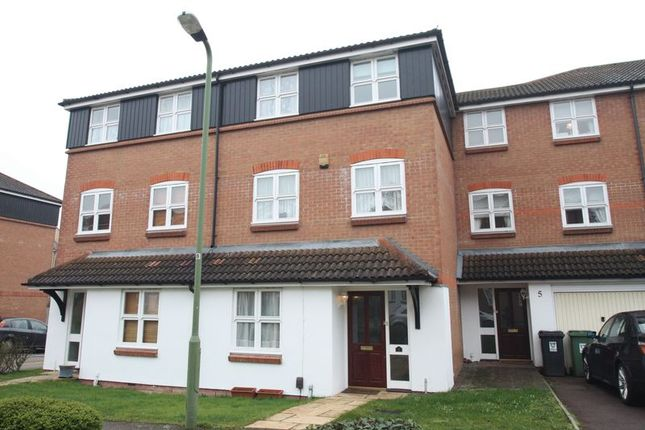 Thumbnail Terraced house to rent in Imperial Way, Hemel Hempstead