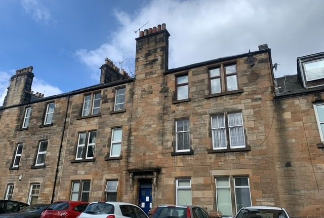 3 bed flat to rent in Bruce Street, Stirling Town, Stirling FK8