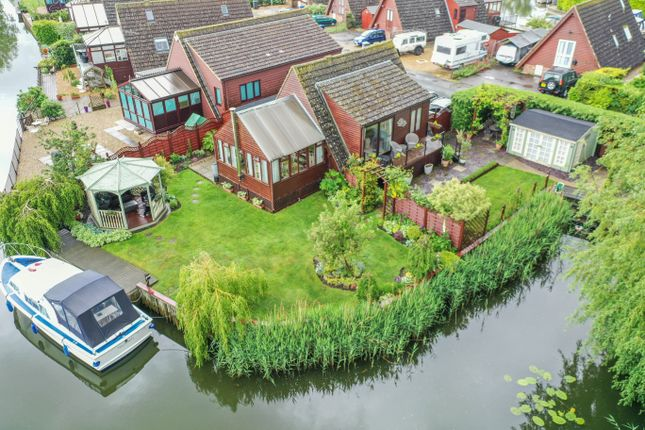 Thumbnail Detached bungalow for sale in Fen Bank, Isleham, Ely