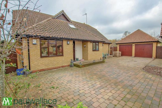 Thumbnail Bungalow for sale in Old Nazeing Road, Broxbourne
