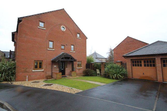 Town house to rent in Jubilee Road, Walmer Bridge, Preston