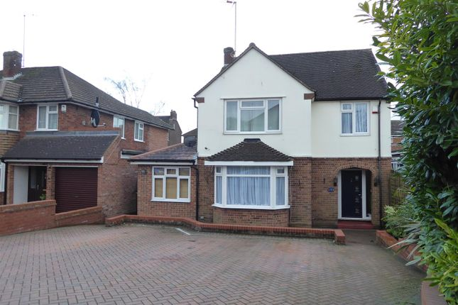 Thumbnail Detached house for sale in Lovers Walk, Dunstable