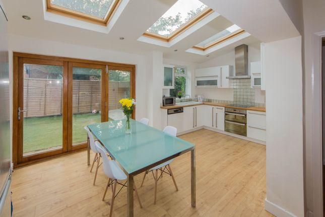 Thumbnail Cottage to rent in Haynes Lane, London