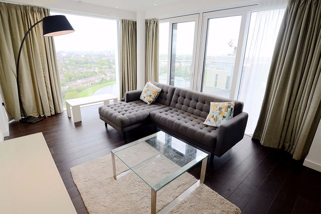 Thumbnail Flat to rent in Devan Grove, London