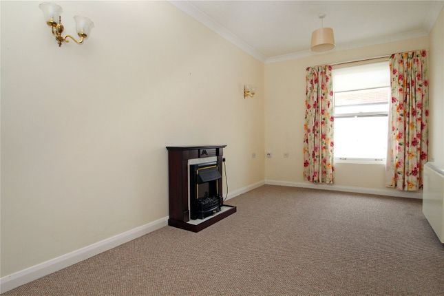 Lounge of Norfolk Road, Littlehampton BN17