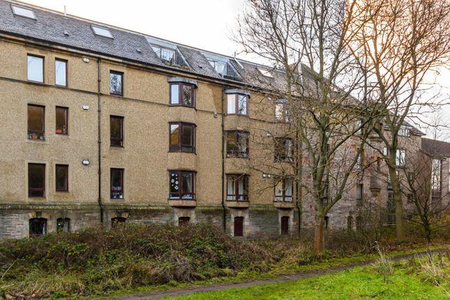 Thumbnail Flat for sale in East Parkside, Edinburgh