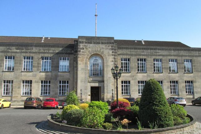 Thumbnail Flat to rent in Braehead House, Victoria Road, Kirkcaldy