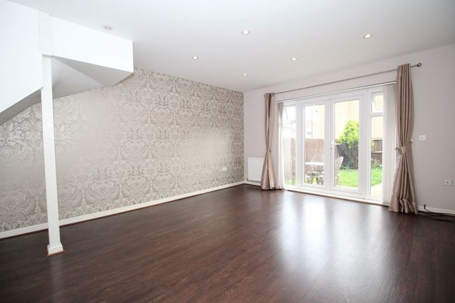 3 bed terraced house to rent in Daly Drive, Bromley