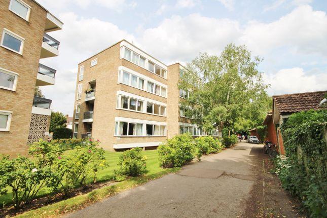 Thumbnail Flat to rent in Pentlands Court, Cambridge