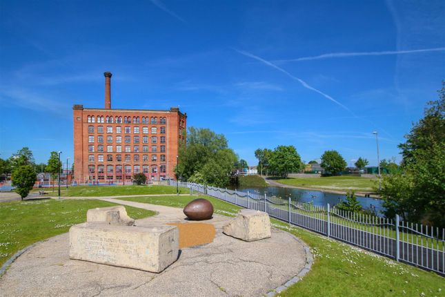 Thumbnail Flat to rent in Victoria Mill, Lower Vickers Street, Manchester