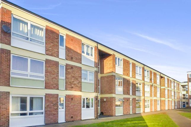 Thumbnail Flat for sale in St. Giles Avenue, Sleaford