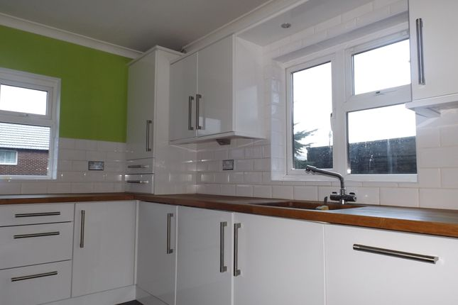 Thumbnail Semi-detached house to rent in Moorland Road, Stalybridge