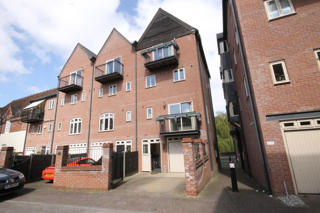 Thumbnail Town house to rent in Quayside, Norwich