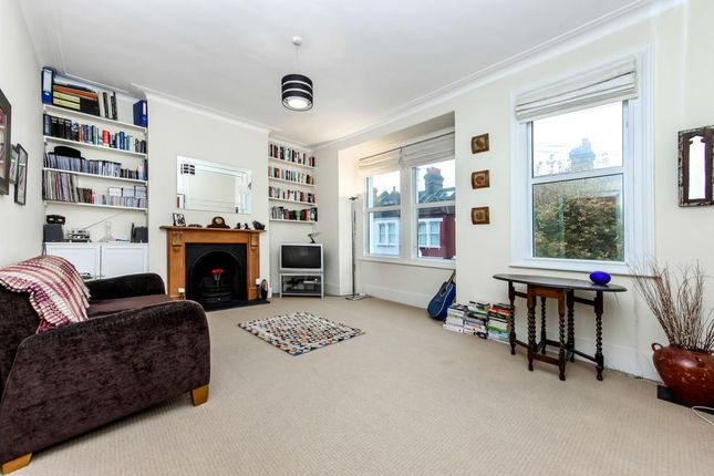 2 bed flat for sale in Glasford Street, London