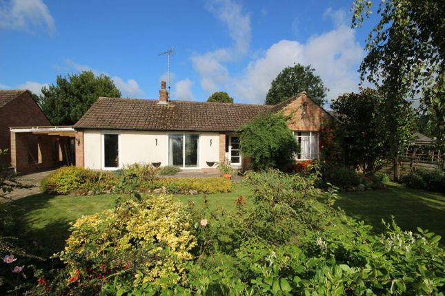 Thumbnail Bungalow for sale in Thame Road, Long Crendon, Aylesbury