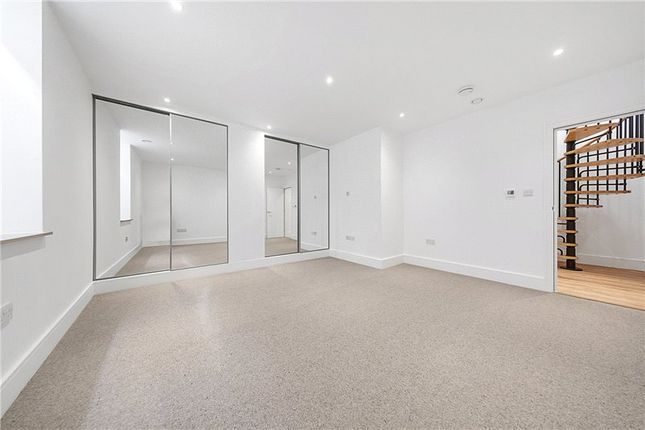 Picture No. 10 of Kit Apartments, 151 Camberwell New Road, Oval, London SE5