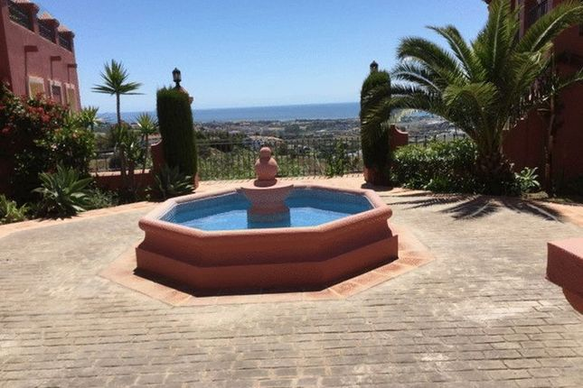 2 bed apartment for sale in Ground Floor 2 Bed Luxury Apartment, Benahavis, Malaga