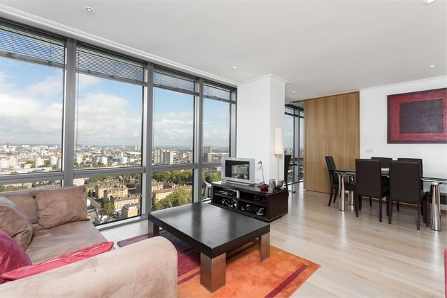 Thumbnail Flat to rent in West India Quay, Hertsmere Road, Canary Wharf