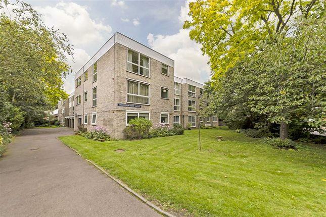 3 bed flat for sale in Kew Gardens Road, Kew, Richmond