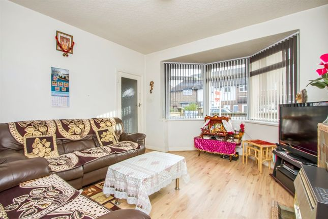 Thumbnail Town house for sale in Swithland Avenue, Off Abbey Lane, Leicester