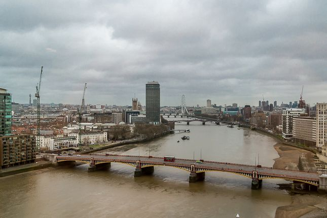 Thumbnail Flat to rent in 1 St George Wharf, London