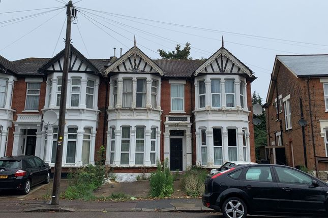 2 bed flat for sale in Flat 4, 36 Redcliffe Gardens, Ilford, Redbridge IG1