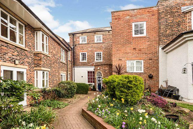 Thumbnail Flat for sale in The Avenue, Westgate, Bridlington, East Yorkshire