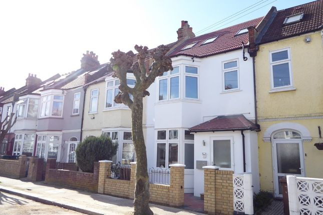 Thumbnail Flat for sale in Caithness Road, Tooting Borders