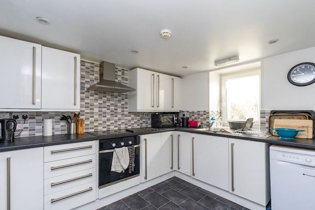 Room to rent in Layfield Road, Gillingham ME7