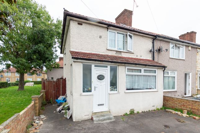 3 bed flat for sale in Bentry Road, Dagenham RM8