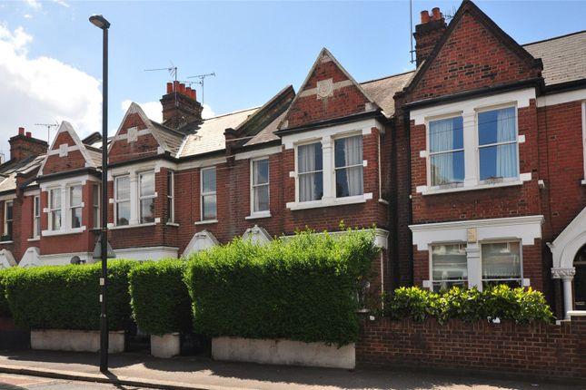 2 bed flat for sale in Southfield Road, London
