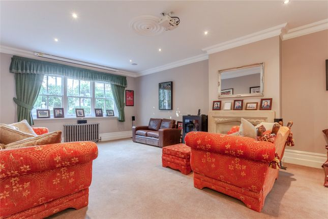 Living Room of Theydon Road, Epping, Essex CM16