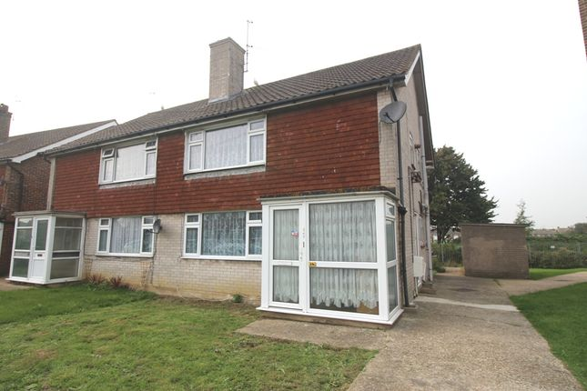 Thumbnail Flat to rent in Midhurst Road, Hampden Park, Eastbourne