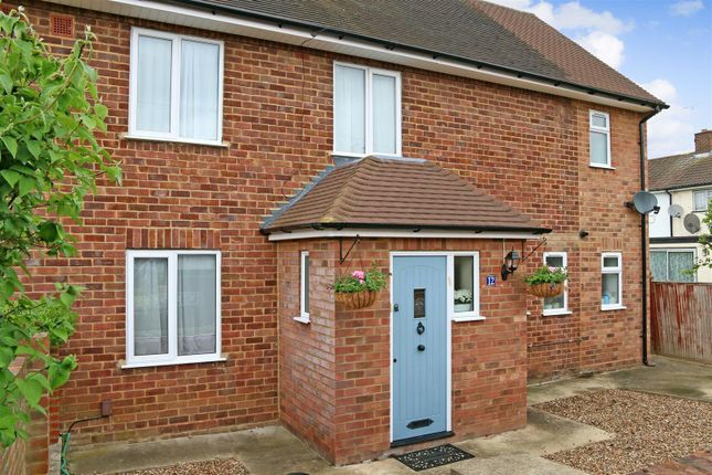 Thumbnail Semi-detached house to rent in Battlers Green Drive, Radlett