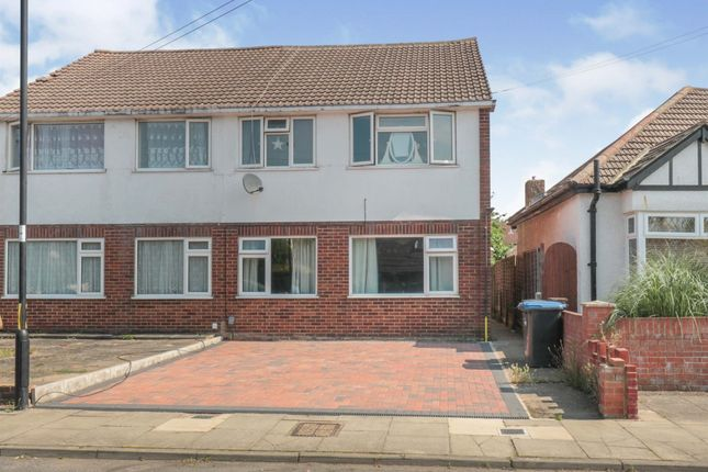 Maisonette for sale in Russell Road, Enfield