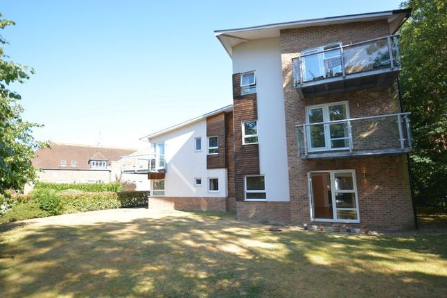 Thumbnail Flat for sale in Imber Cross, Embercourt Road, Thames Ditton