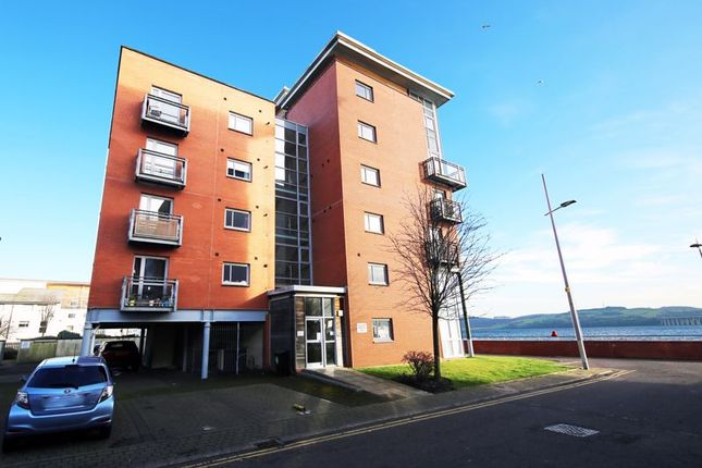 Thumbnail Flat for sale in Thorter Row, Dundee