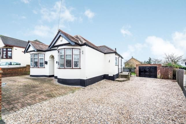 Thumbnail Bungalow for sale in Hillfoot Road, Romford