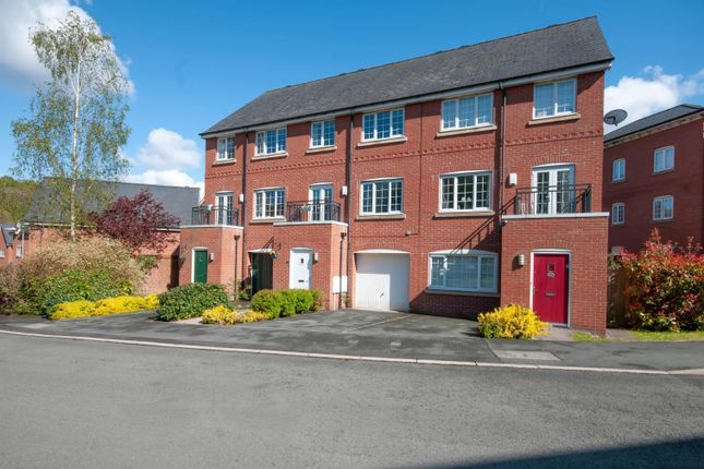 4 bed town house for sale in Weaver Chase, Radcliffe, Manchester M26