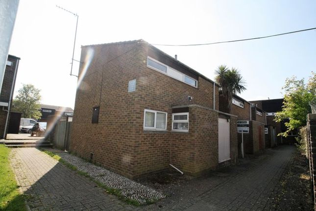 Thumbnail Semi-detached house to rent in Plover Close, Edenbridge