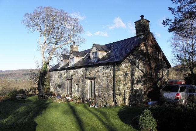 Thumbnail Detached house for sale in Cae Ceirch, Brithdir