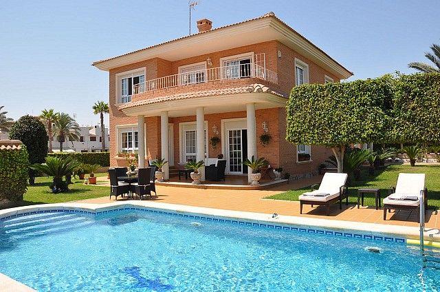 Thumbnail Villa for sale in Torrevieja, Alicante, Spain