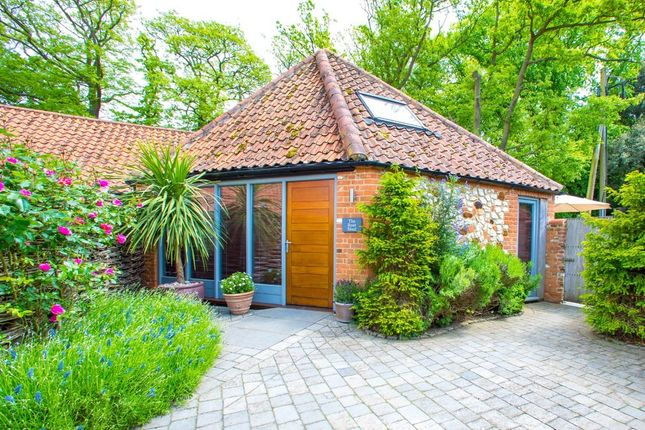 Thumbnail Cottage for sale in Manor Court, Holme, Hunstanton