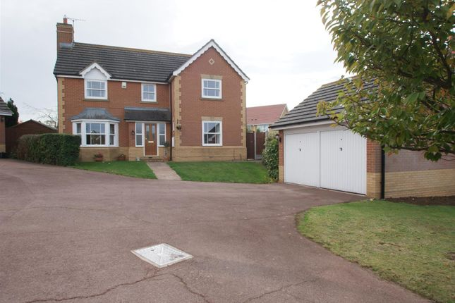 Thumbnail Property for sale in Durham Way, Rayleigh