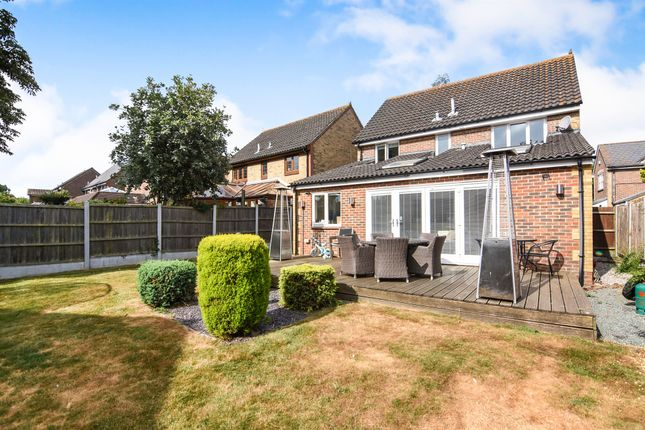 Thumbnail Detached house for sale in Burntwood Close, Billericay