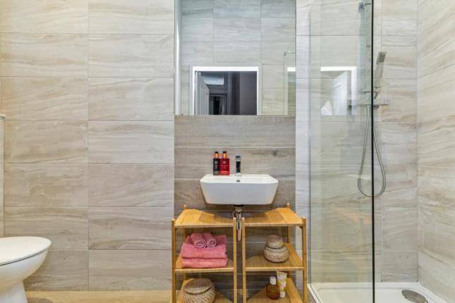 Bathroom of Herschell Street, Anniesland, Glasgow G13