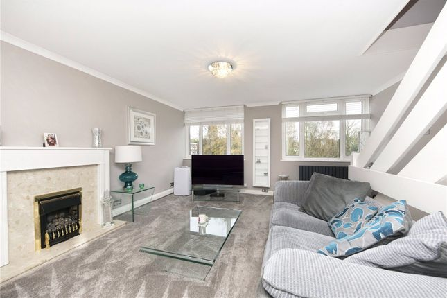 Picture No. 21 of Silver Tree Close, Walton-On-Thames, Surrey KT12