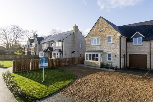 Thumbnail Link-detached house for sale in Southwick Road, Glapthorn, Peterborough