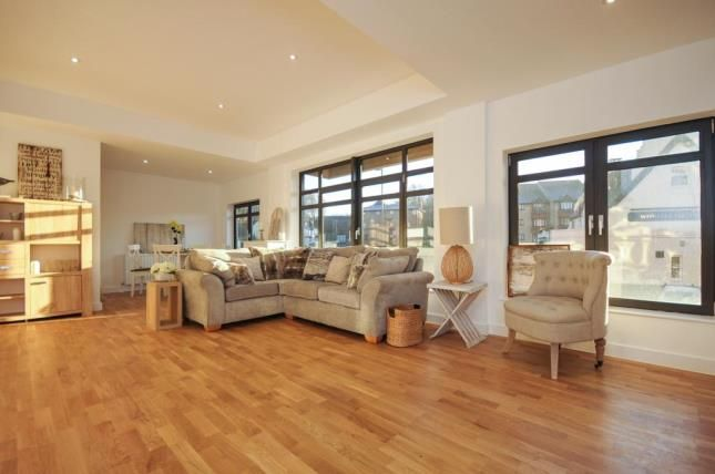 Thumbnail Flat for sale in Whyteleafe Hill, Warlingham